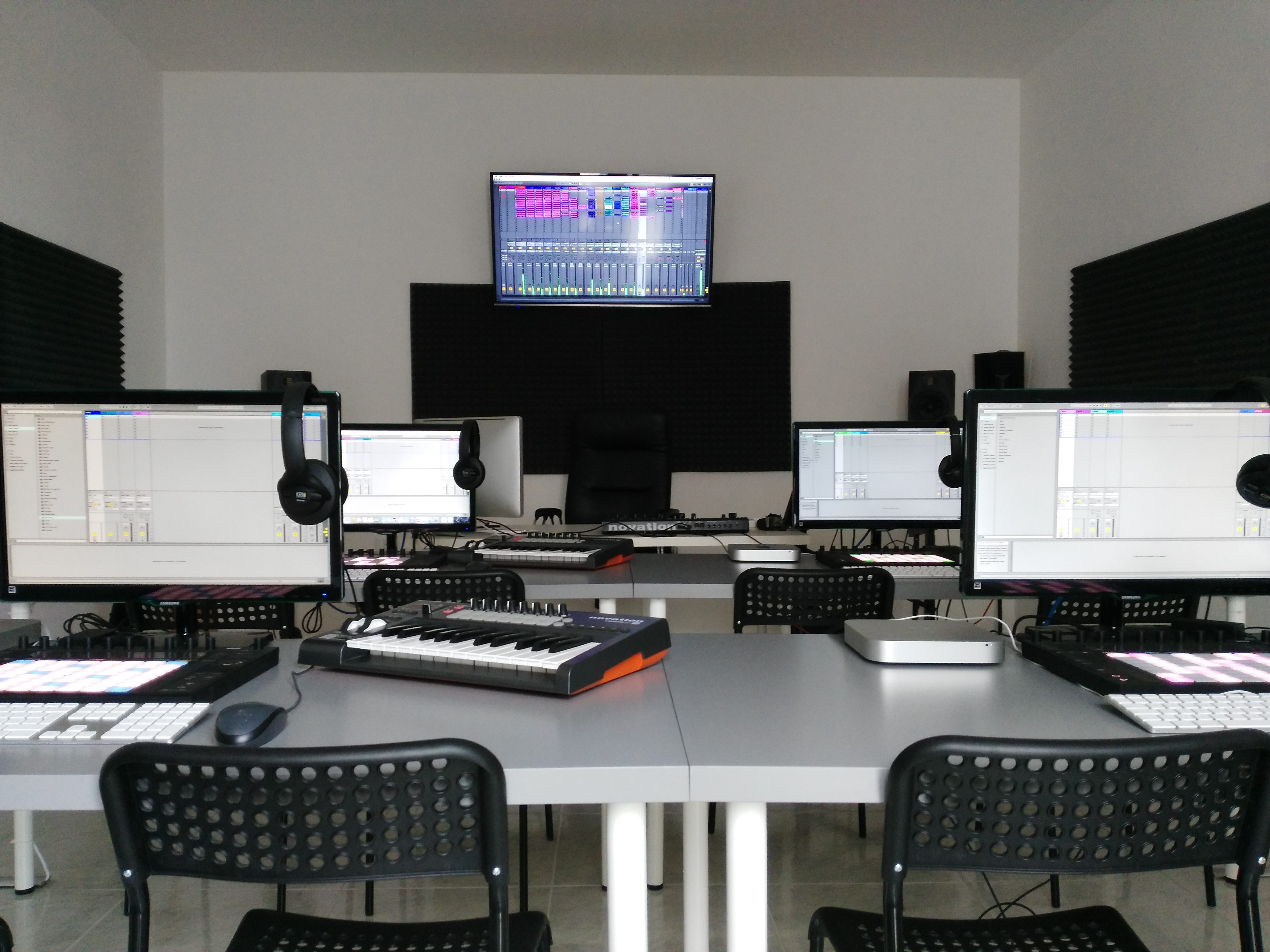 Producer_Room