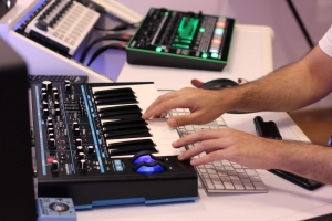 Electronic_Music_Producer_opt